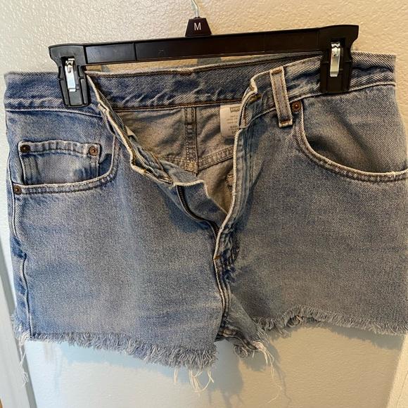 Levi vitg jean shorts